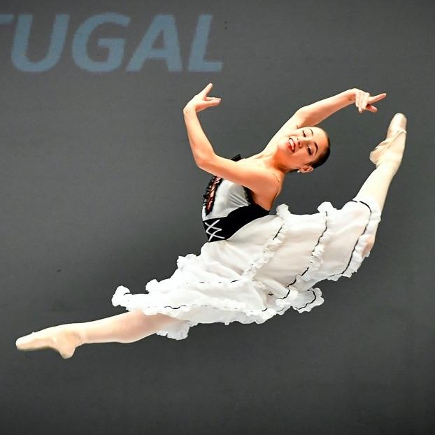 https://conservatorioannarella.com/site/wp-content/uploads/2020/09/Laura-Viola.jpg